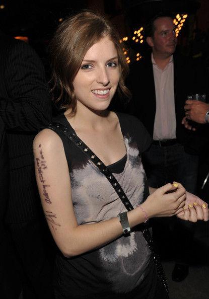 У нюши есть татуировка фото