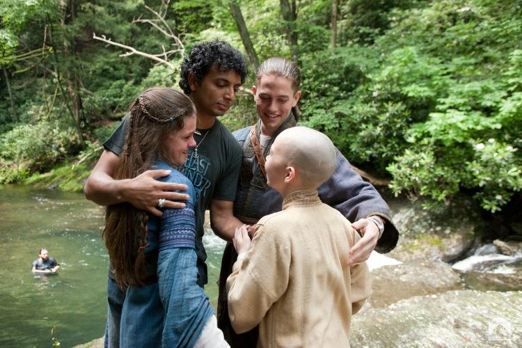 существовало четыре народа, жители которых могли подчинять своей воле одну их стихий: воду