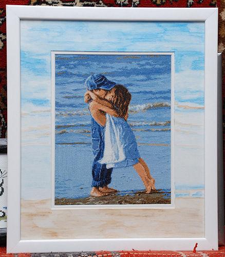 Схема вышивки девочка с мальчиком у моря