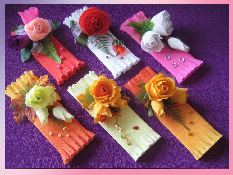 Как украсить коробку конфет из цветов гофрированной бумаги своими руками