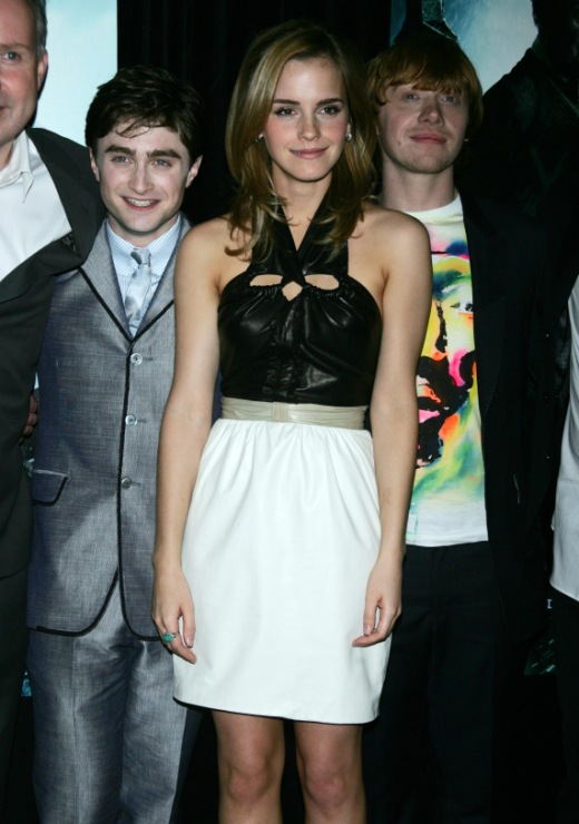 Daniel radcliffe, emma watson and rupert grint hit the red carpet at the harry potter and the half-blood prince